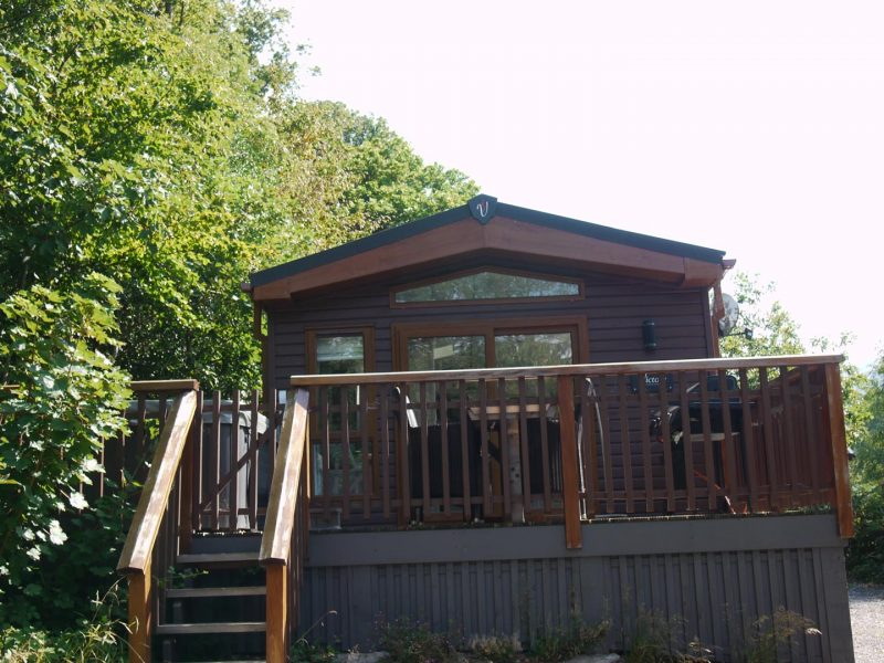 Bassenthwaite lakeside lodges hot tub cumbria hire sale lake district